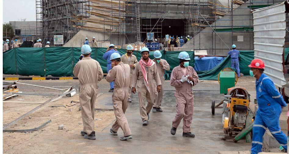 کرونا کارگران خارجی در خلیج فارس را زمین گیر کرده است